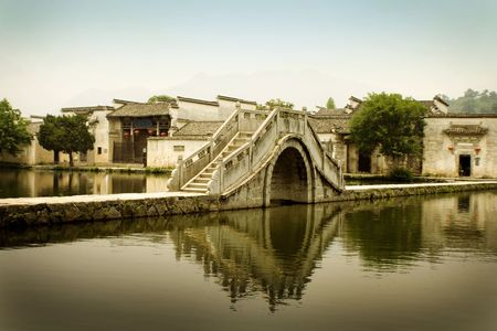 moon gate: traditional huizhou architecture in south china