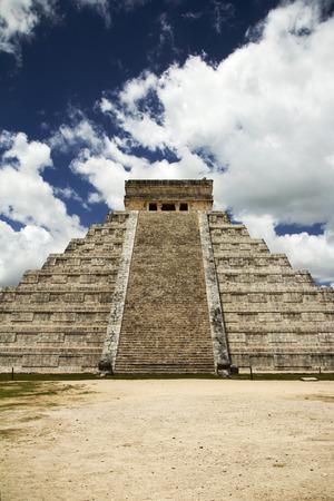 mayan riviera: ancient Mayan civilization, great pyramid in Chichen Itza