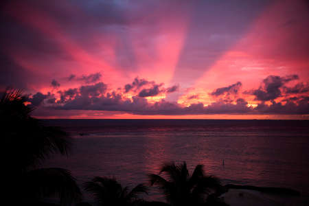 mujeres: romantic sunset in Mexico