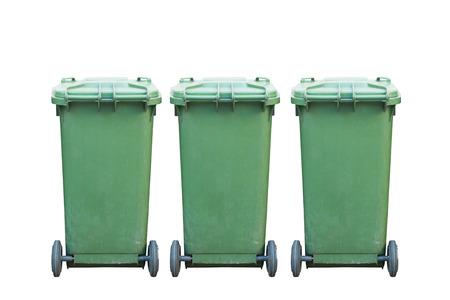 cesto basura: Verde de basura, bote de basura aislados sobre fondo blanco