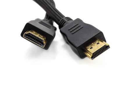 Sluit omhoog HDMI-kabel op een witte achtergrond wordt geïsoleerd die