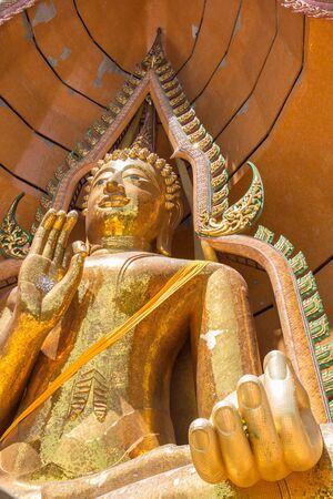sua: Buddha statue, Wat Tham Sua, Kanchanaburi, Thailand