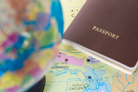 passeport: passeport avec carte du monde, le concept voyage