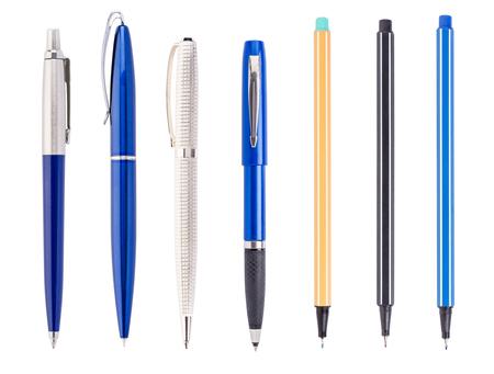ball pens stationery: Conjunto de unos bolígrafos aislados sobre un fondo blanco Foto de archivo