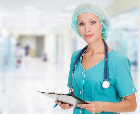 cirujano: Mujer m�dico en el hospital Foto de archivo