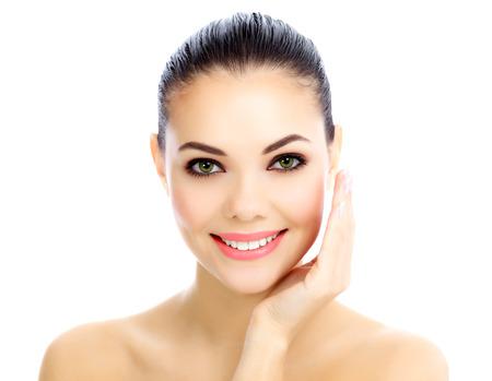 Vrolijk wijfje met verse duidelijke huid, witte achtergrond Stockfoto
