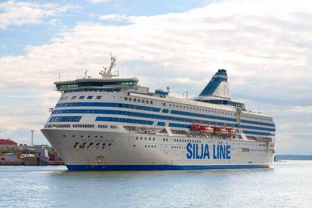 Helsinki/Finnland 01. September 2014: MS Silja Serenade in einem Hafen von Helsinki. Eine Kreuzfahrtfähre der estnischen Reederei Tallink Group
