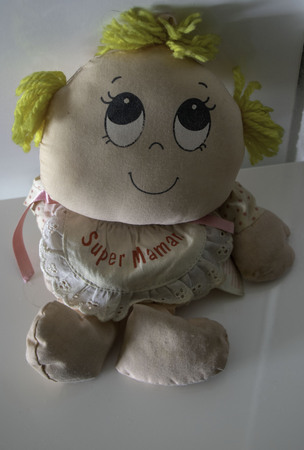 rag doll super mom (Super Mother is super mom written in French) Banque d'images - 117209241