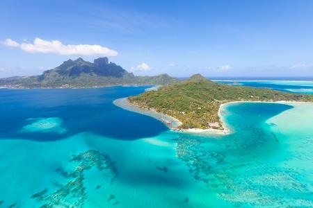 헬리콥터에서 보라 보라 섬에서 화려한보기 스톡 콘텐츠