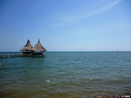 gazebo on the pungkruk beach, Jepara, central Java, Indonesia 免版税图像