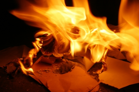 burning paper: paper on fire and burn