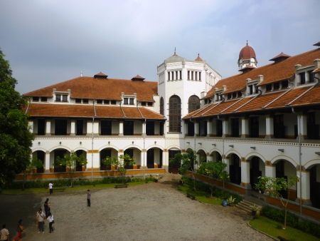 Lawang Sewu OLD BUILDING IN MYSTIC AND FULLY Semarang, INDONESIA