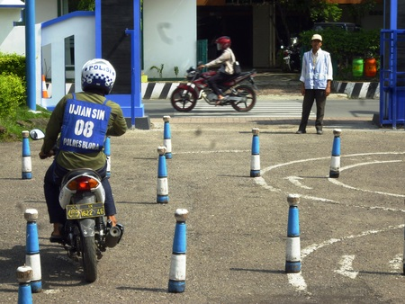 manufacture of a driver s license office, looking bikers who want to have permission to try through the test