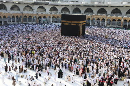 サウジアラビア ・ メッカ ka ' bah にイスラム教の巡礼者