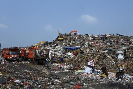 the biggest garbage dump in Indonesia, Bantar Gebang, Bekasi, Indonesia 写真素材