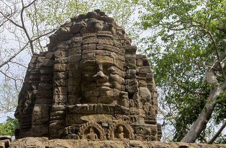 Banteay Chmmar is a large Angkorian ruin in northwest Cambodia, halfway between Siem Reap and Thailand. Like the better known Bayon temple, Banteay Chhmar also has face towers of King Jayavarman VII