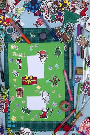 Eine Senkrechte Draufsicht Auf Ein Sammelalbum Weihnachten Gruß Mit ...