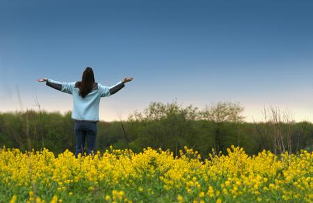 arms in air: Joy