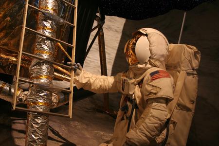 Astronauta sulla Luna Archivio Fotografico - 1517684