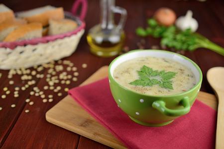 lenteja: sopa de lentejas agria