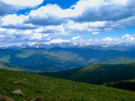 Paysage sur la route de Pikes Peak Highway dans le Colorado Banque d'images - 64184341