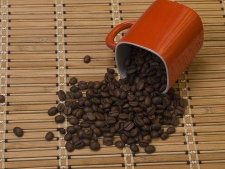 overturn: Tazza di caff� e cereali