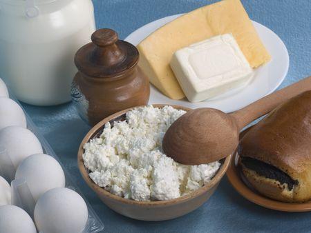 Milchprodukt auf eine Kuechentische Lizenzfreie Bilder