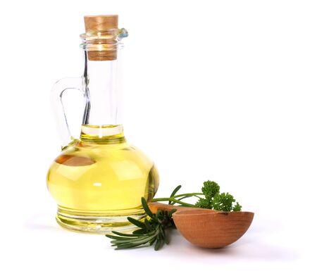 Branch Rosmarinus, Petersilie und eine Flasche Pflanzen�l, isoliert auf weiss