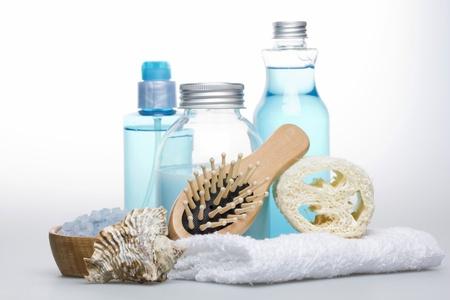 Towel, salt for bath, cockleshell, liquid soap, shampoo