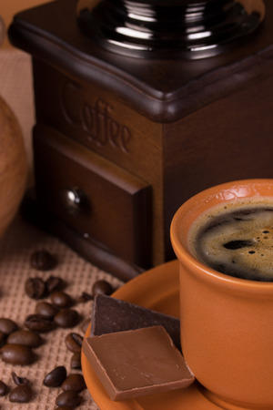 macr: coffee, roast, cafe, natural, grinder, caffeine, coffe, brown, aroma, concept, grind, flavor, bean, luxury, old, roasted, handle, traditional, coffee beans, dark, object, wood, taste, retro, design, antique, wooden, vintage, style, space, food, mill, macr