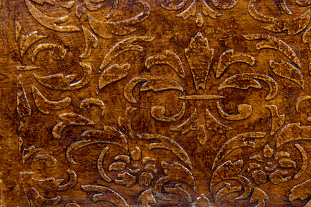 crazing: Imitation metal pattern on the wood surface
