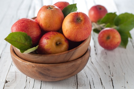 Fresh sweet apple on the table Stock Photo - 15313102