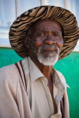 Diese Augen und wrincles sagen, eine tiefere Geschichte als die Körpersprache zu offenbaren Standard-Bild - 14016707