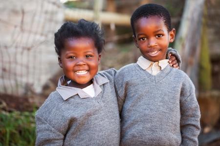 enfants noirs: Ces deux enfants sont amis depuis qu'ils �taient capables de marcher.