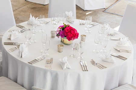 wedding table decor: A three course meal will be served to the guests.