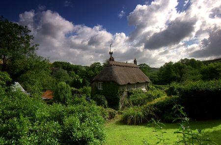 jamones: Este cuadro de chocolate de caba�a con techo de paja est� situado en la peque�a aldea llamada Ford, que se encuentra en las f�rtiles colinas del distrito de South Hams en Devon, el �rea es designado un �rea de belleza natural.