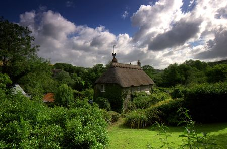 path cottage garden: This chocolate box thatched cottage is situated in the  small hamlet called Ford which is nestled in the rolling fertile hills of the South Hams district in Devon, the area is designated an area of outstanding natural beauty.