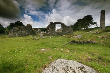 black powder: These ruined buildings form a part of the Powder Mills complex near Cherrybrook, Dartmoor, the mills or factory was a manufacturer of black powder also known as gunpowder, this was produced primarily for industries such as mining and quarrying, its remote Stock Photo