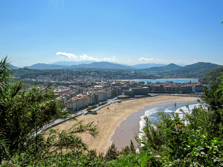 Camino del Norte route, Northern Saint James Way: Great sunny view on the main beach of San Sebastian