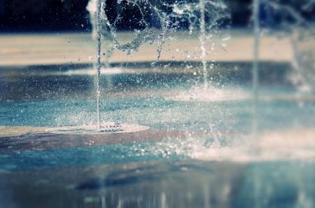 jet stream: Secuencia del agua que salpica en el suelo Foto de archivo