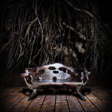 trono: Majestic trono de madera en cueva subterránea antigua Foto de archivo