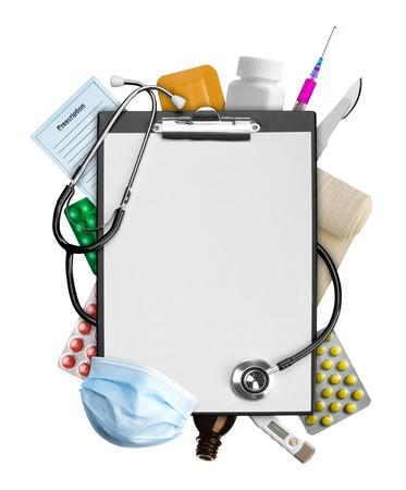 Portapapeles vacío con suministros médicos