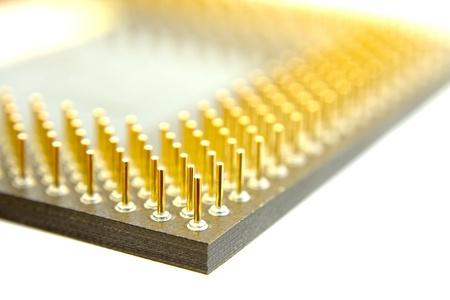 silicio: Pins equipo con procesador aislados en blanco