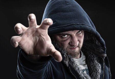 pandilleros: Angry bandido trata de agarrarte