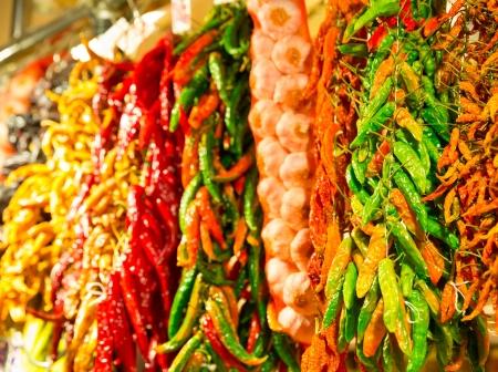 legumbres secas: Muchos racimos de pimiento seco