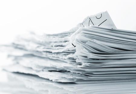 Stapel haveloze vellen papier close-up foto