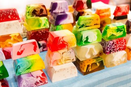 productos naturales: Bonito fondo de jabones de colores