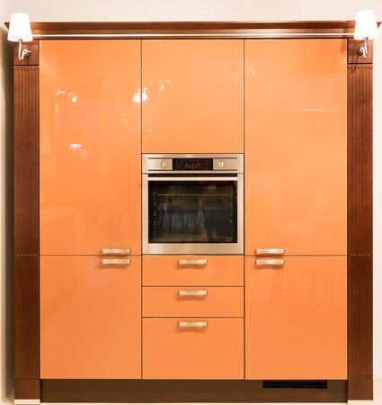 Kitchen furniture with an oven built in