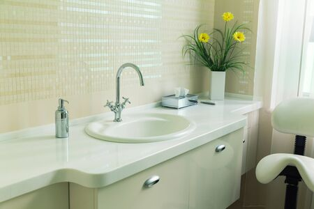 tap room: Interior of a modern bathroom