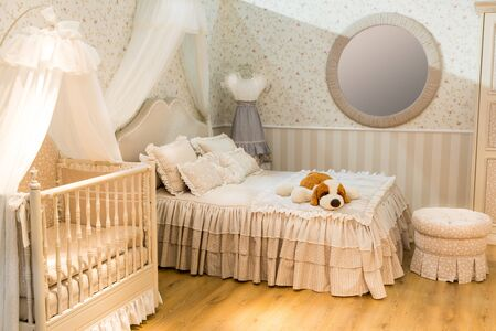 old fashioned: Luxury room for parents and children